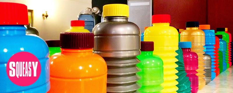 Squeasy botellas plegables y personalizables